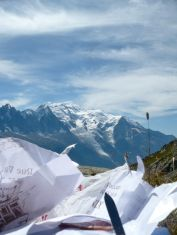 Zasłużona przerwa i krótki piknik z widokiem na Mont Blanc.
