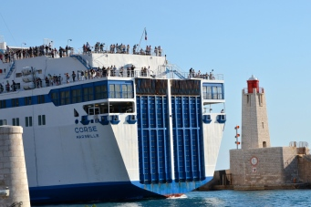 Statek, którym dostaniemy się do Bastii.