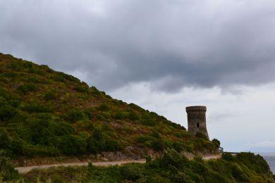 Druga napotkana wieża – l'Osse. Deuxième tour génoise – Tour de l'Osse.