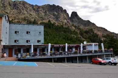 Schronisko Asco-Stagnu i baza dla narciarzy. Le refuge Asco-Stagnu avec une station de ski.
