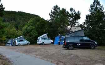 Opuszczamy pole namiotowe (godz. 8:10), kierunek – przełęcz Vergio (Col de Vergio – 1 478 m). Nous quittons le camping (8h10), la direction – Col de Vergio (1 478 m).