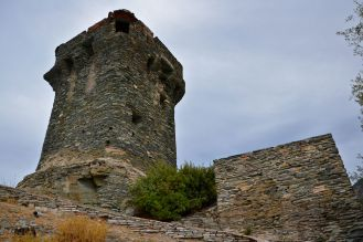 Wieża Paoline – Nonza. Tour paoline – Nonza.