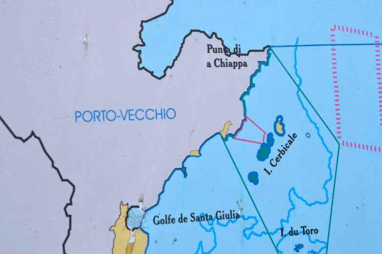Wyspy Cerbicale to miejsce, gdzie będziemy nurkować następnego dnia. Les îles Cerbicales est un endroit où nous ferons de la plongée le lendemain.