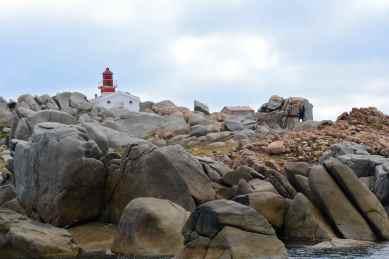 Latarnia morska Lavezzi. Le phare des Lavezzi.