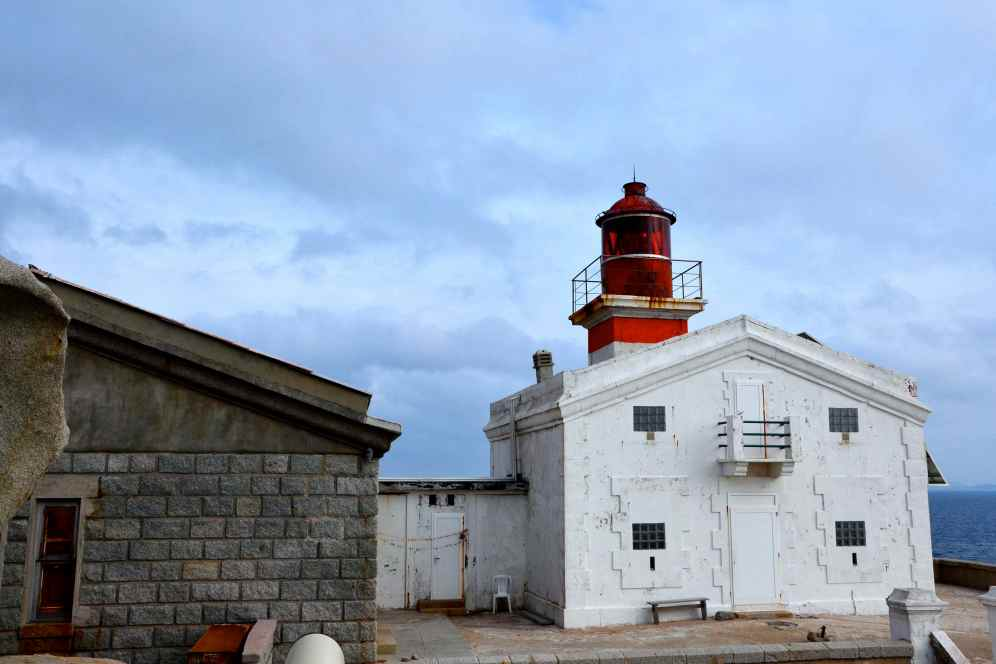 Po całym dniu spędzonym na wyspach Lavezzi, odpływamy w stronę Bonifacio. Après toute la journée passée aux Iles Lavezzi, nous partons vers Bonifacio.