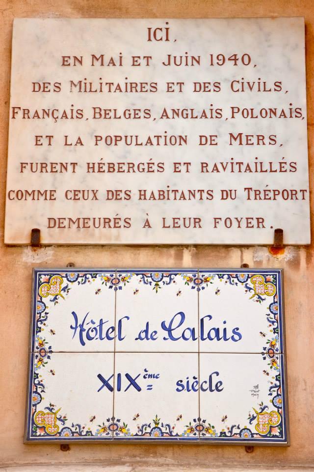 Tutaj, w maju i czerwcu 1940 roku, żołnierze i cywile – Francuzi, Belgowie, Anglicy i Polacy – oraz mieszkańcy nadmorskich miejscowości znaleźli schronienie oraz pożywienie wśród mieszkańców Tréport.