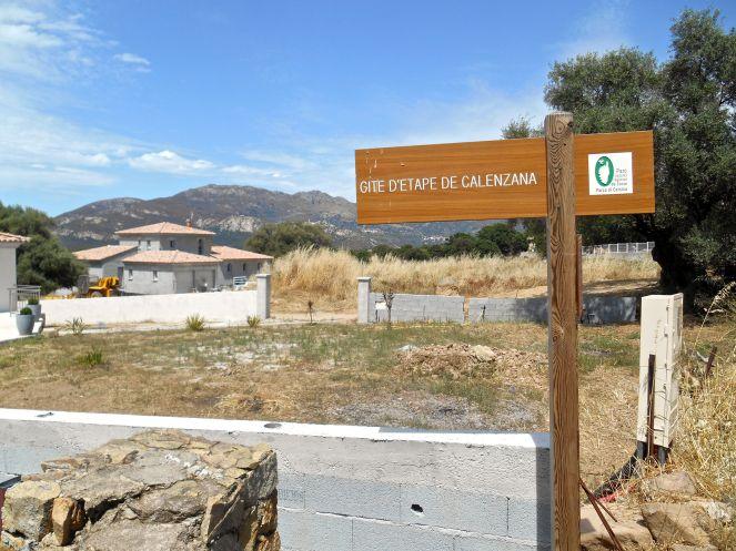 Pierwsze pole namiotowe i schronisko – Calenzana.