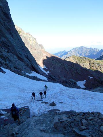 Podejście na przełęcz Bocca Tumasginesca (2183 m).