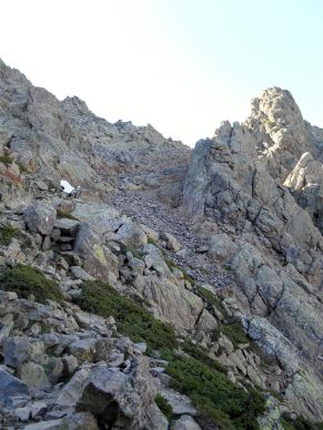 Ostatnie podejście w stronę przełęczy – Bocca Minuta (2218 m).