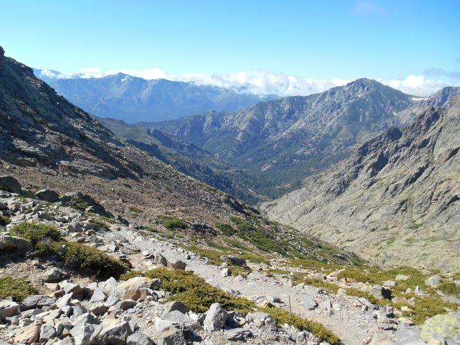 Widok z przełęczy Bocca Minuta na wąwóz Stranciacone (ravin du Stranciacone).