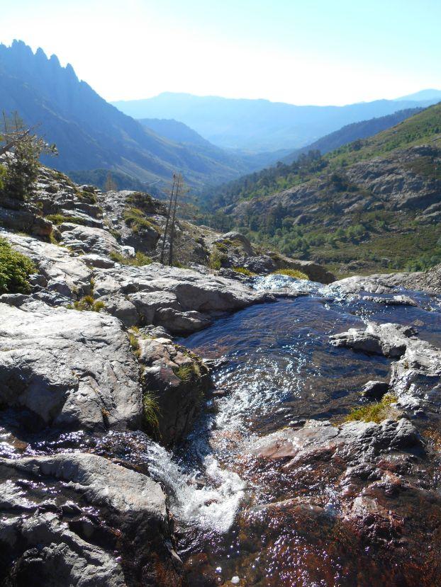 Następnie podejście na przełęcz Bocca di Fuciale (1962 m).