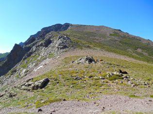 Widok na szczyt Punta di Tula (2142 m).