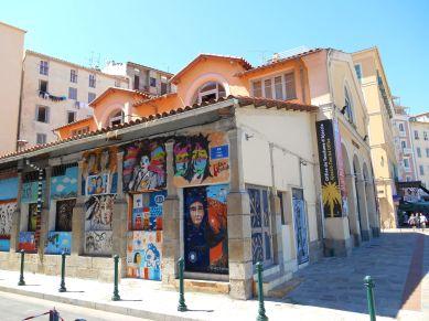 Centrum informacji turystycznej w Ajaccio.
