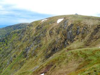 Widok z przełęczy Falimont. Po prawej stronie - Hohneck.