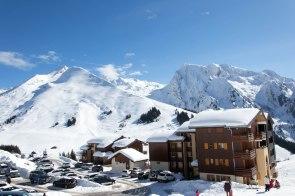 Widok na stację narciarską Manigod.