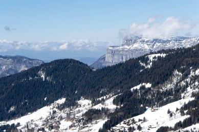 Widok ze szczytu Tête de Cabeau (1650 m).