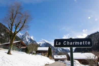 Trasa prowadząca do początku szlaku na szczyt Mont Charvin była zamknięta.