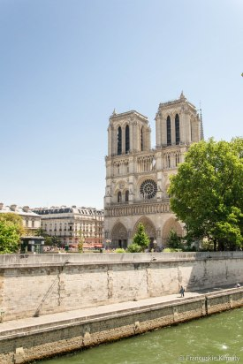 Katedra Notre-Dame, widok z mostu - Petit-Pont-Cardinal-Lustiger.
