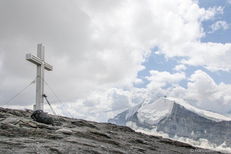 Krzyż na szczycie Barrhorna.