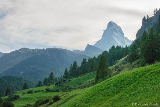 Ostatnie spojrzenie na Matterhorn wracając do Zermatt.
