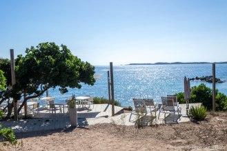 Jedna z plaż w pobliżu Bonifacio.