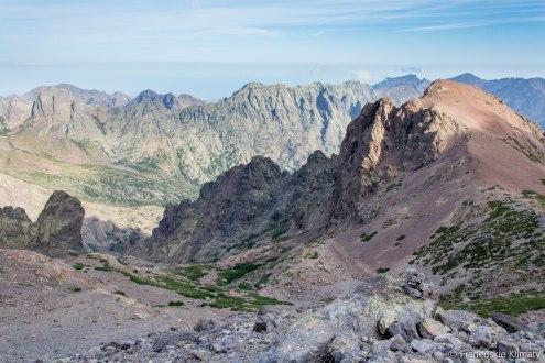 Capu Borba i w dole - Asco. Po lewej - Tour Penchée.