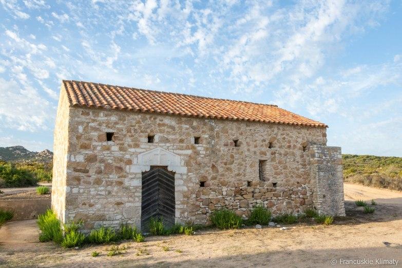 Kaplica Santa Reparata di Bonifacio pochodząca z IX wieku (dwa inne źródła podają VII lub XIII wiek).
