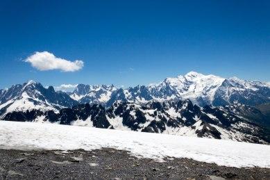 Widok na masyw Mont-Blanc.