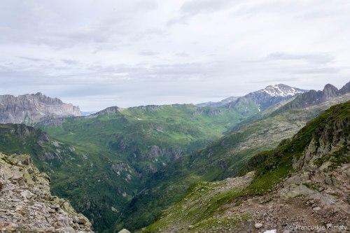 Mont Buet (3096 m) po prawej.
