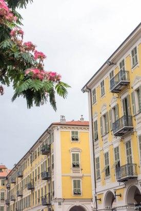Nicea - spędzamy dzień w centrum Nicei oczekując na statek. / Nous passons la journée à Nice en attandant le bateau.