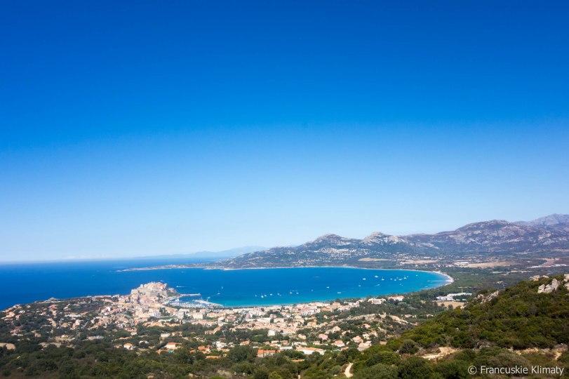 Widok na zatokę Calvi / Vue sur la baie de Calvi.