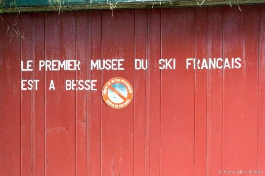 Pierwsze, francuskie muzeum narciarskie znajduje się w Besse.