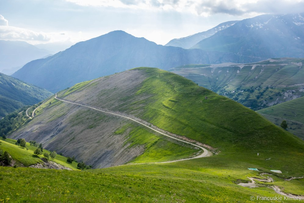 Widok na przełęcz Nazié.