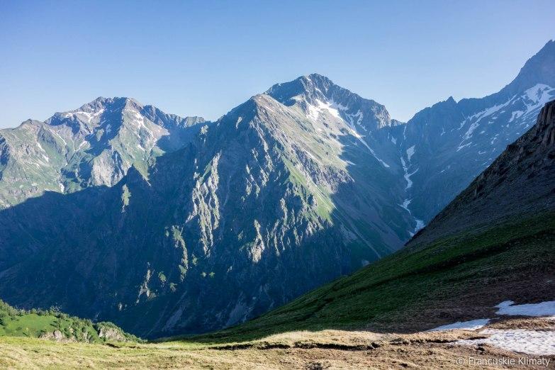 Pierwsze spojrzenie na przełęcz Muzelle - po prawej stronie.