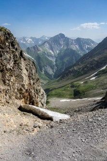 Widok z przełęczy na południe, na nasze podejście.