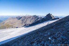 Masyw Mont-Blanc w tle - część włoska (południe).