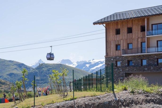 Alpe d'Huez (w tle La Maije i Le Râteau).